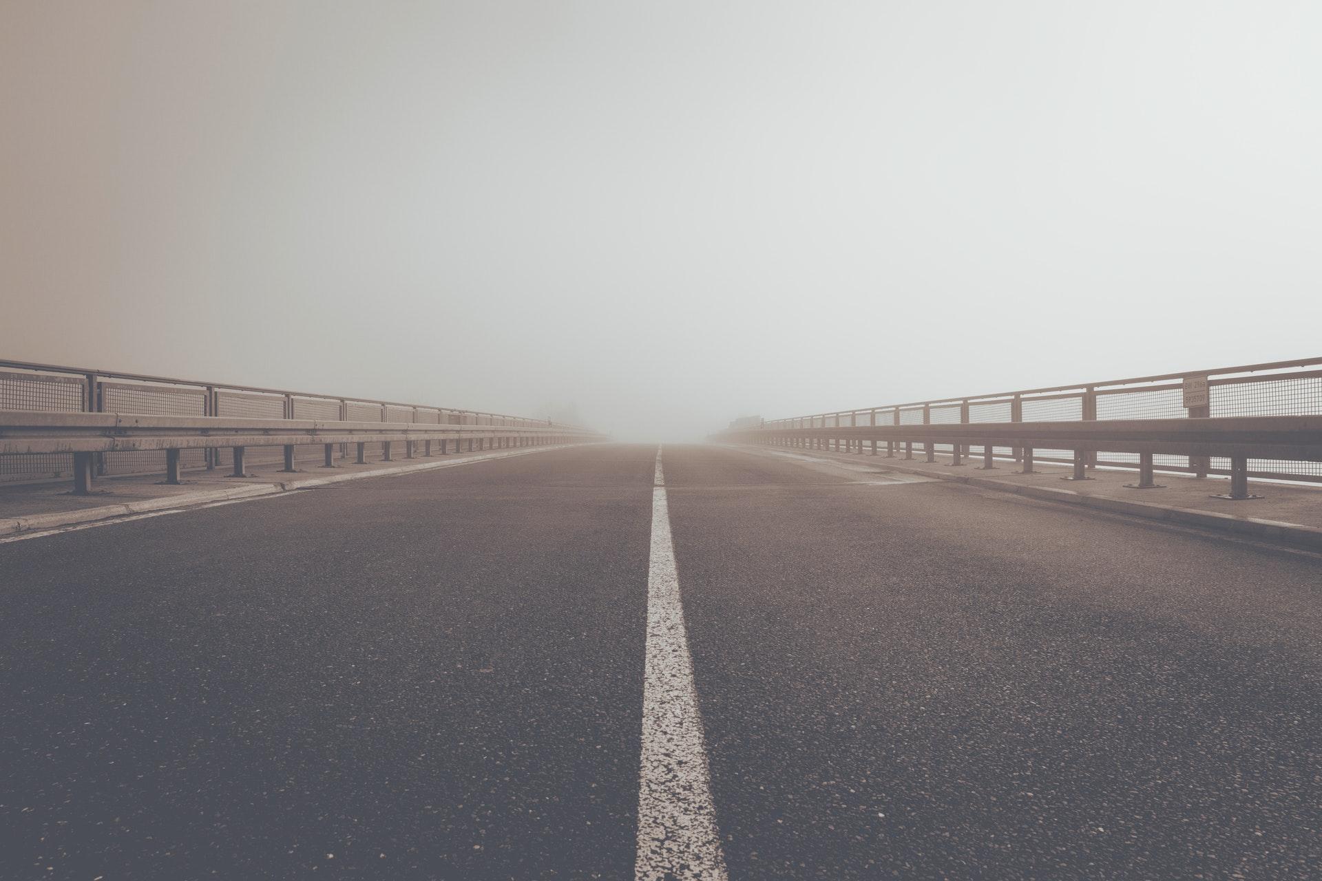 Strada grigia, sempre uguale a se stessa